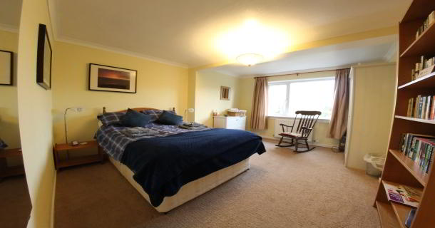 The Spinney Holiday Cottage Master bedroom
